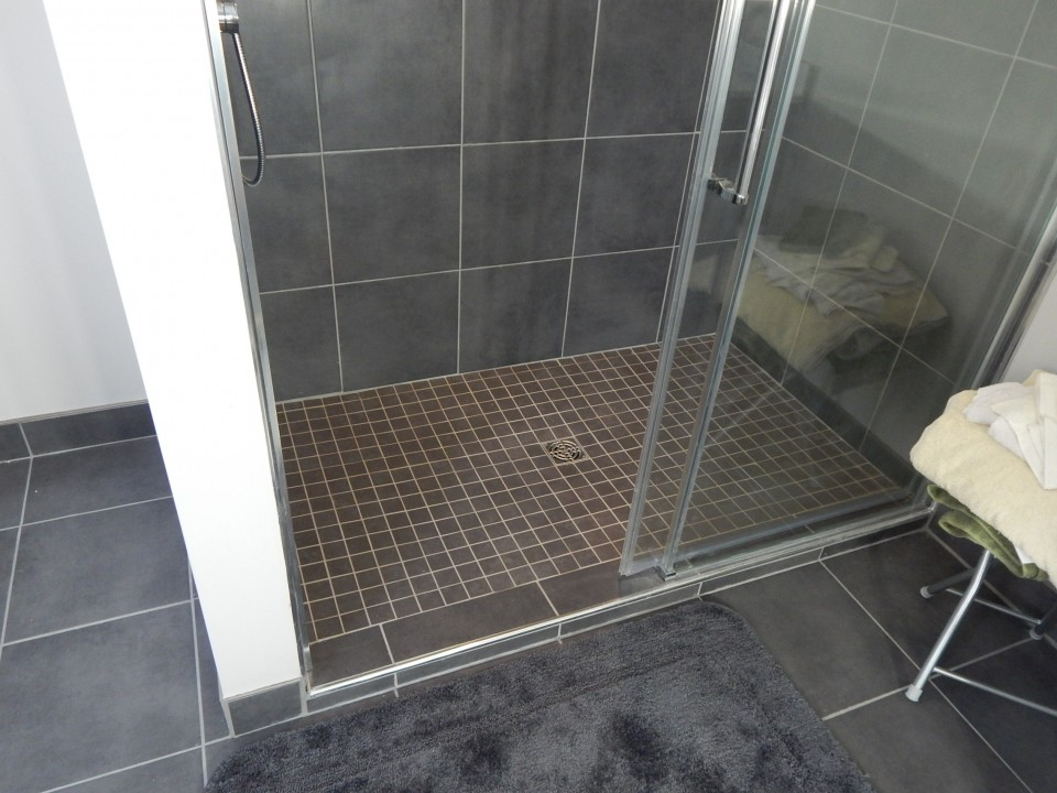 En-Suite Bathroom with Walk-In-Shower
